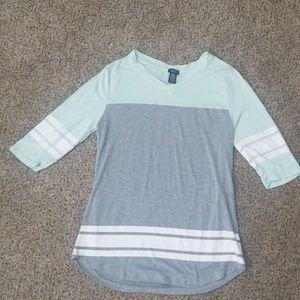 Like new,1/2 sleeve shirt
